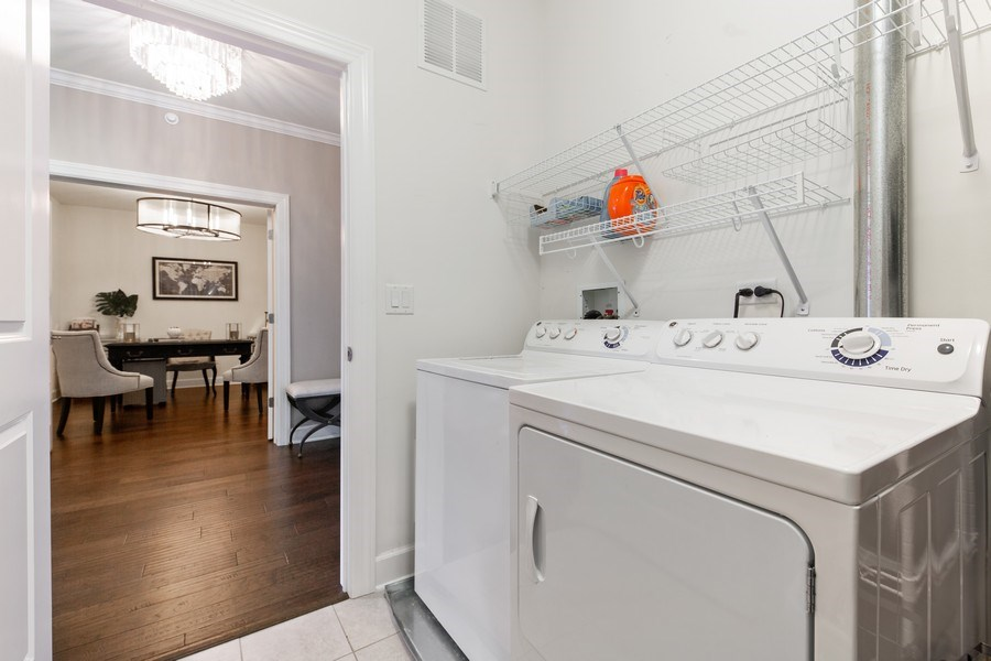 Real Estate Photography - 7 E Kennedy Ln, unit 303, Hinsdale, IL, 60521 - Laundry Room