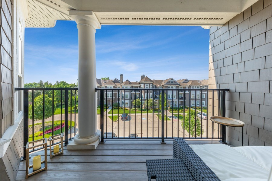 Real Estate Photography - 7 E Kennedy Ln, unit 303, Hinsdale, IL, 60521 - Balcony