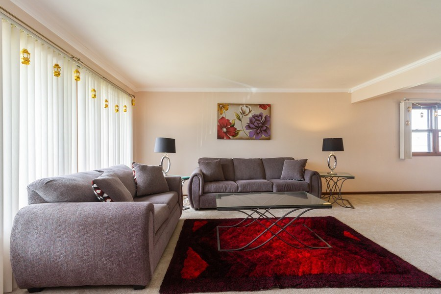 Real Estate Photography - 1830 Nottingham, Tinley Park, IL, 60477 - Living Room