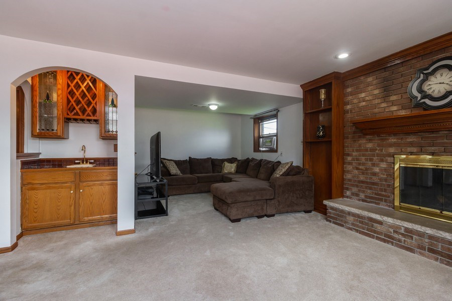 Real Estate Photography - 1830 Nottingham, Tinley Park, IL, 60477 - Family Room