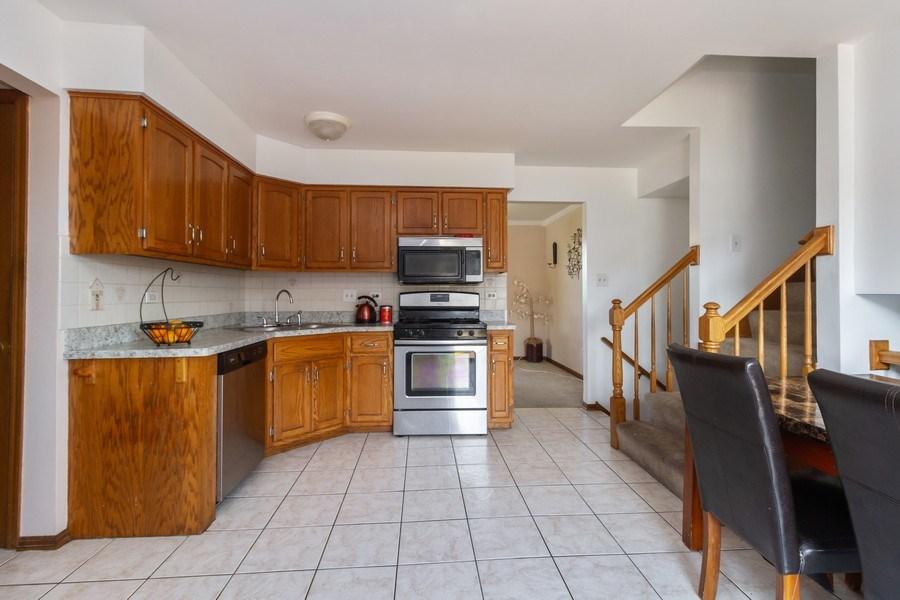 Real Estate Photography - 1830 Nottingham, Tinley Park, IL, 60477 - Kitchen