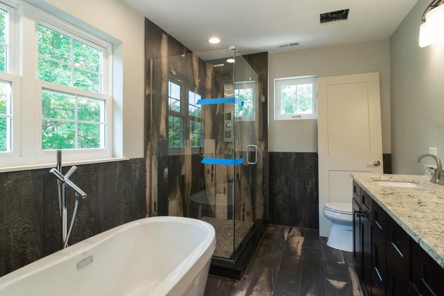 Real Estate Photography - 915 E Euclid Ave, Arlington Heights, IL, 60004 - Master Bathroom
