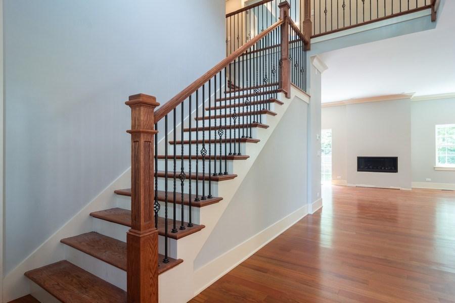 Real Estate Photography - 915 E Euclid Ave, Arlington Heights, IL, 60004 - Foyer