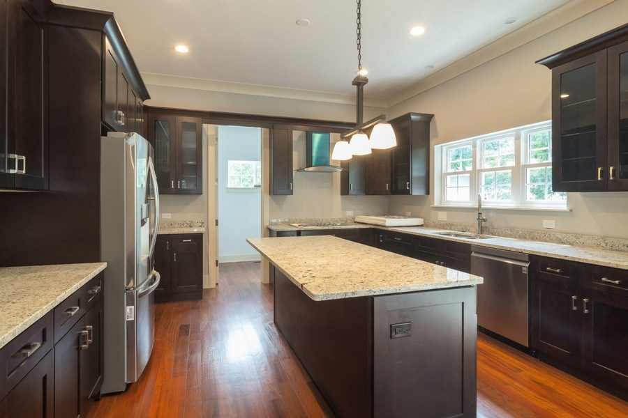 Real Estate Photography - 915 E Euclid Ave, Arlington Heights, IL, 60004 - Kitchen