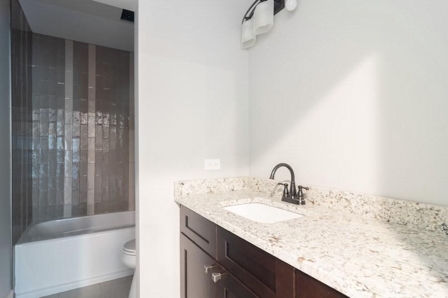 Real Estate Photography - 915 E Euclid Ave, Arlington Heights, IL, 60004 - 2nd Bathroom