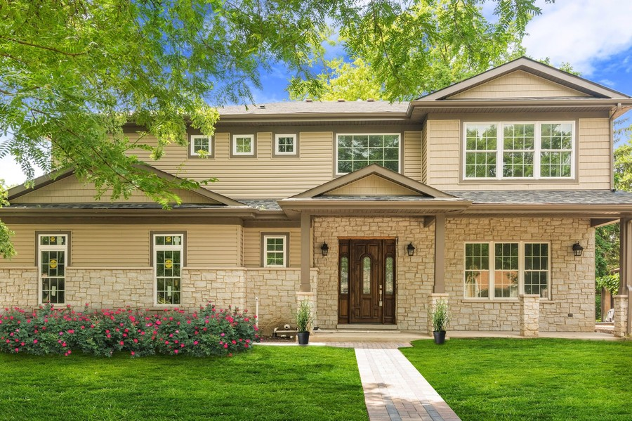 Real Estate Photography - 915 E Euclid Ave, Arlington Heights, IL, 60004 - Front View