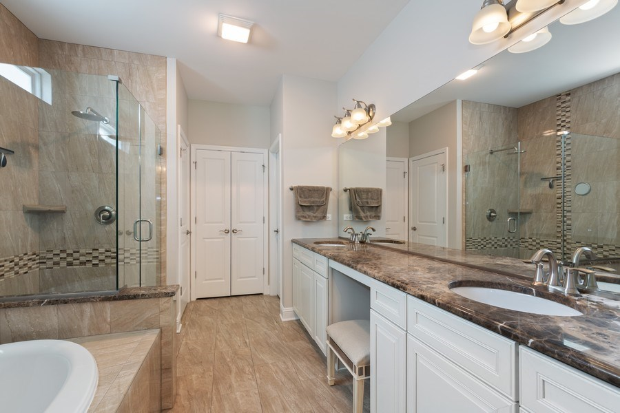 Real Estate Photography - 1375 Kensington Ct, Glenview, IL, 60025 - Master Bathroom