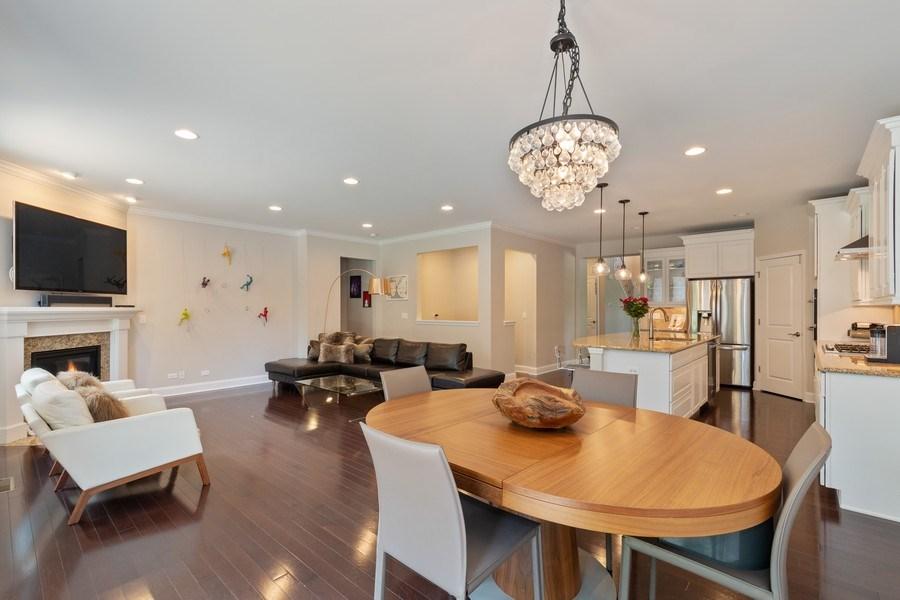Real Estate Photography - 1375 Kensington Ct, Glenview, IL, 60025 - Kitchen