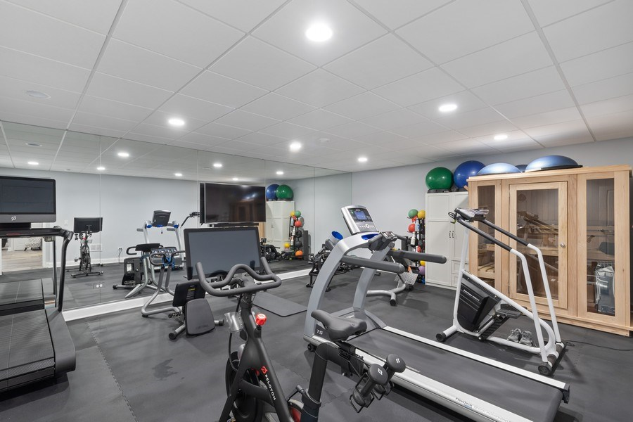 Real Estate Photography - 1375 Kensington Ct, Glenview, IL, 60025 - Exercise Room