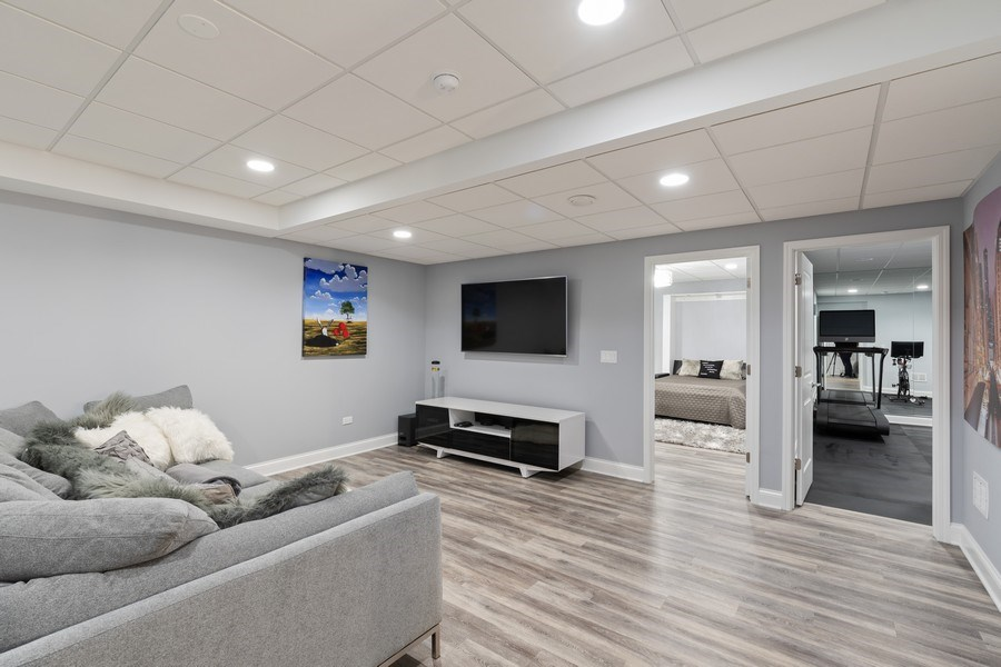 Real Estate Photography - 1375 Kensington Ct, Glenview, IL, 60025 - Basement