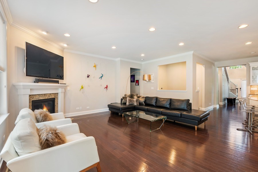 Real Estate Photography - 1375 Kensington Ct, Glenview, IL, 60025 - Family Room