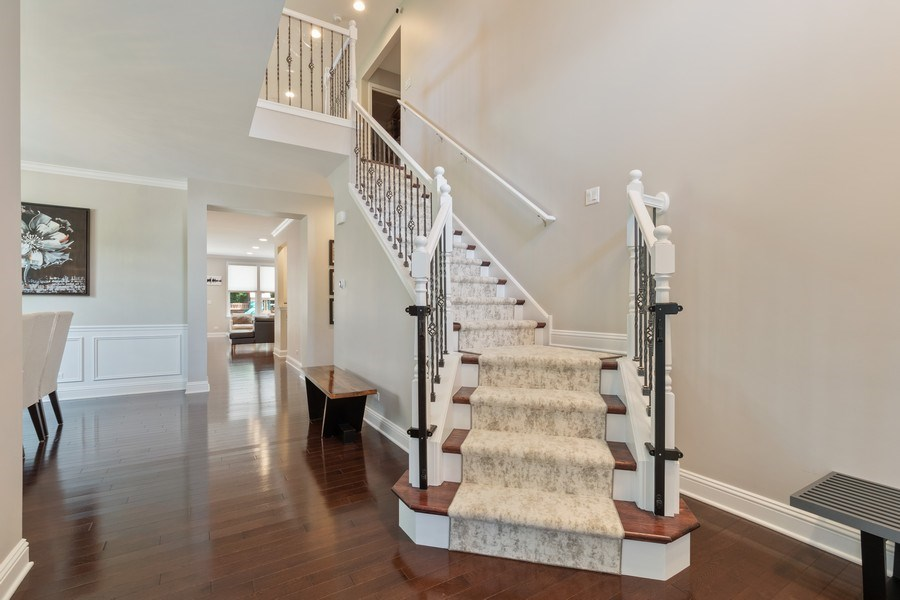 Real Estate Photography - 1375 Kensington Ct, Glenview, IL, 60025 - Foyer
