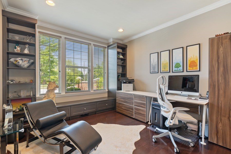 Real Estate Photography - 1375 Kensington Ct, Glenview, IL, 60025 - Office