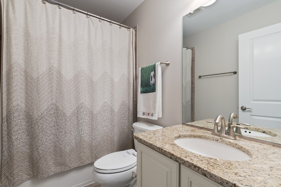 Real Estate Photography - 1375 Kensington Ct, Glenview, IL, 60025 - Bathroom