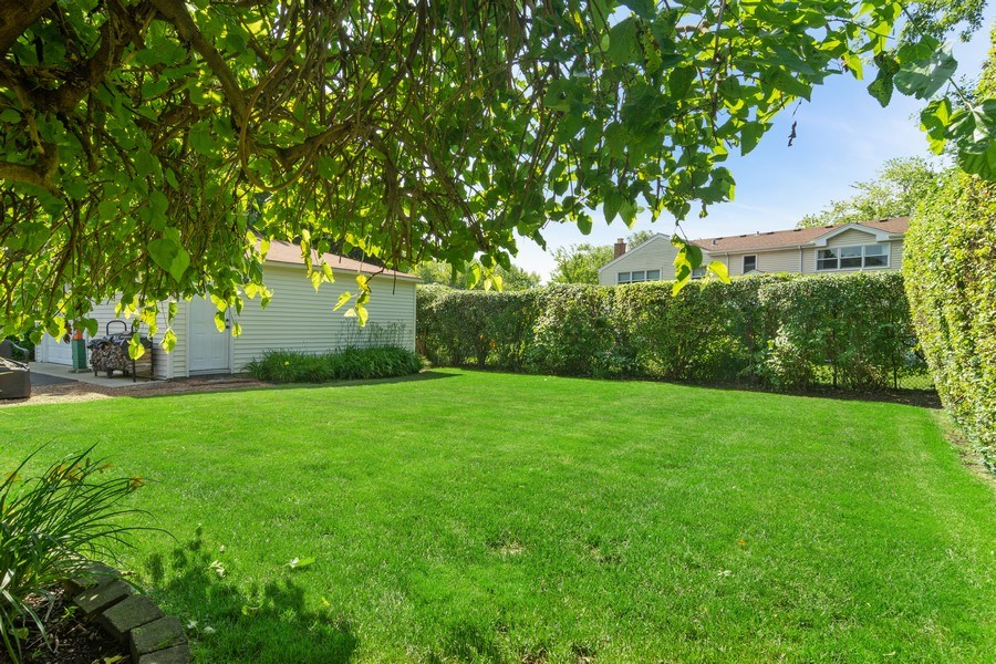 Real Estate Photography - 3623 Keenan Lane, Glenview, IL, 60025 - Back Yard