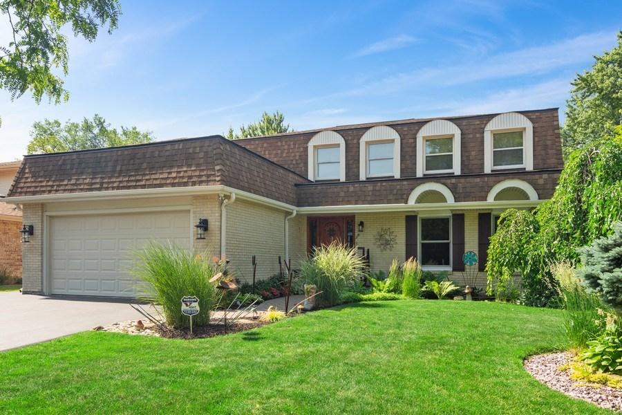 Real Estate Photography - 3623 Keenan Lane, Glenview, IL, 60025 - Front View