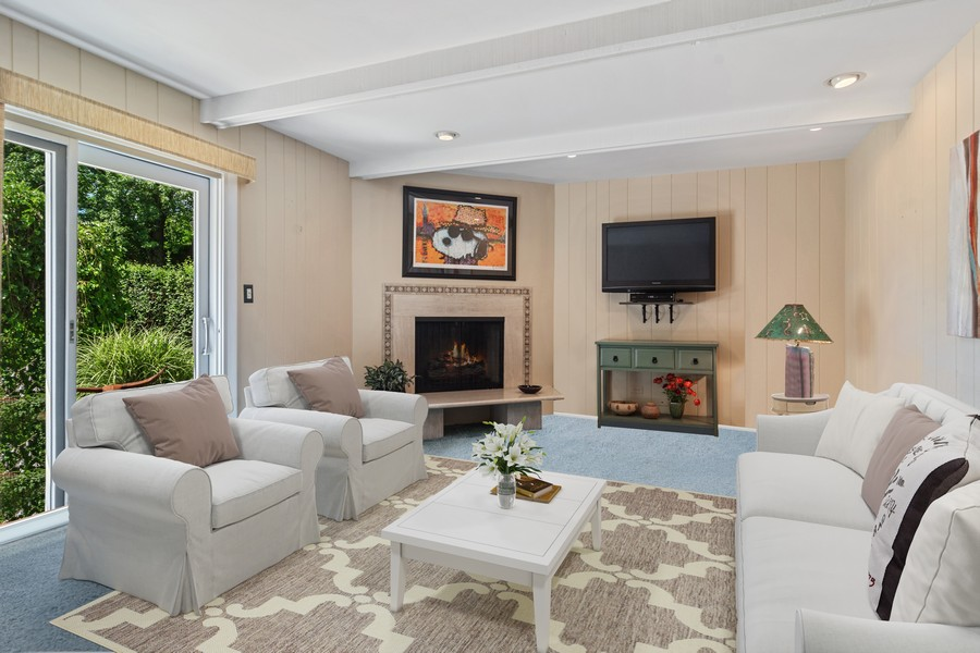 Real Estate Photography - 3623 Keenan Lane, Glenview, IL, 60025 - Family Room