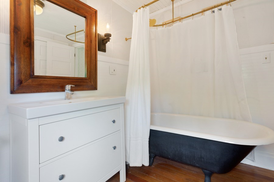 Real Estate Photography - 49019 Skyhi Road, New Buffalo, MI, 49117 - 2nd Bathroom