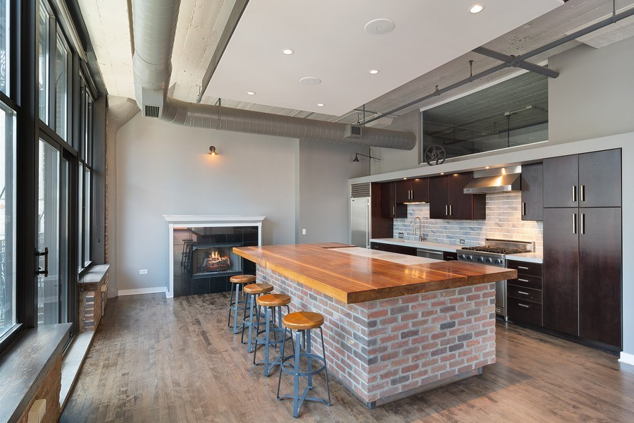 Real Estate Photography - 333 W Hubbard #510, Chicago, IL, 60654 - Kitchen