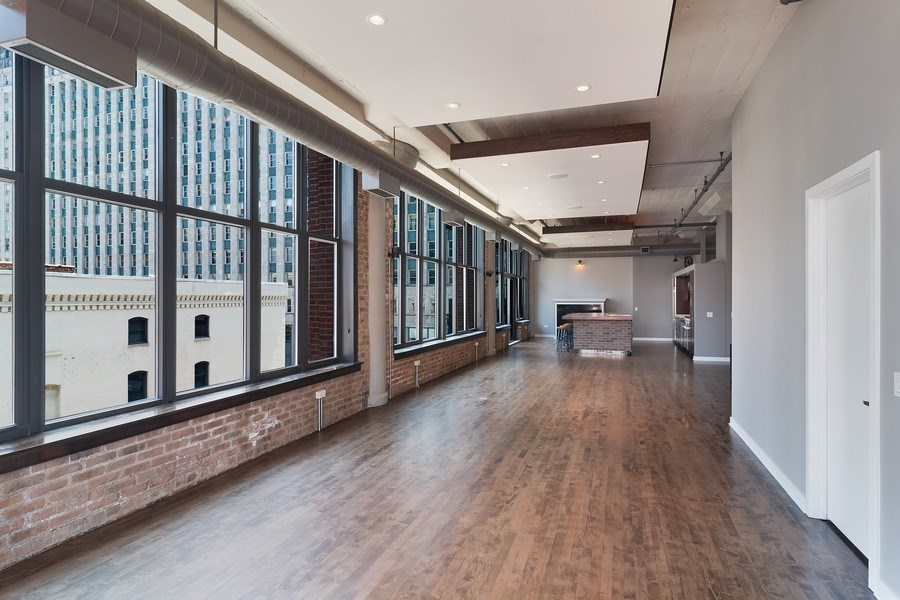 Real Estate Photography - 333 W Hubbard #510, Chicago, IL, 60654 - Living Room/Dining Room