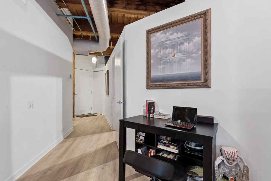 Real Estate Photography - 225 W. Huron, #318, Chicago, IL, 60654 - Entryway