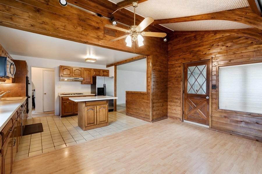 Real Estate Photography - 103 Wildwood Rd, Elk Grove Village, IL, 60007 - Kitchen