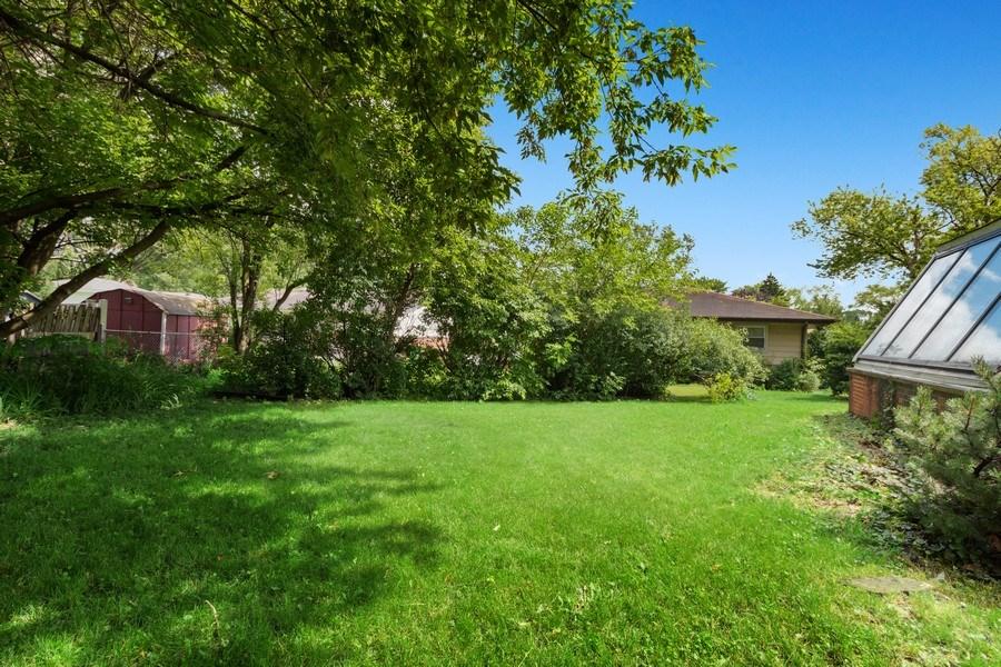 Real Estate Photography - 103 Wildwood Rd, Elk Grove Village, IL, 60007 - Back Yard