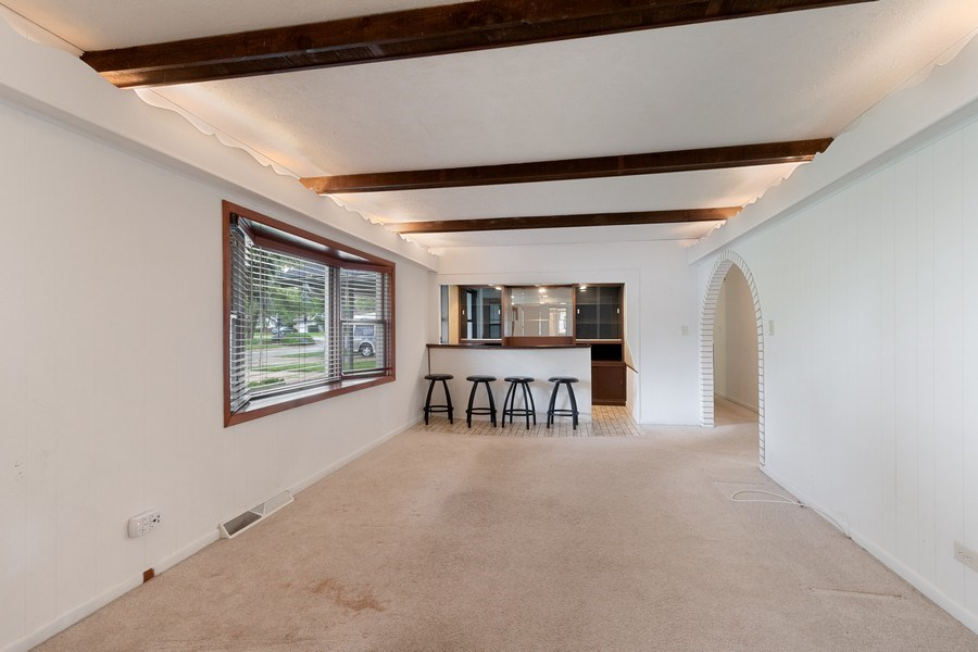 Real Estate Photography - 103 Wildwood Rd, Elk Grove Village, IL, 60007 - Family Room
