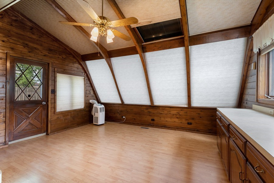 Real Estate Photography - 103 Wildwood Rd, Elk Grove Village, IL, 60007 - Dining Area