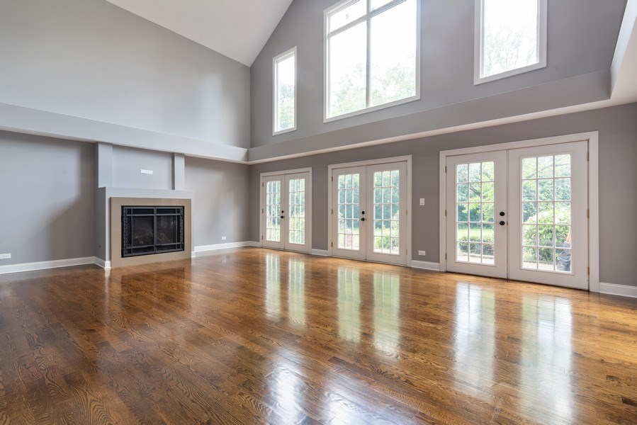 Real Estate Photography - 2150 New Willow Road, Northfield, IL, 60093 - Living Room