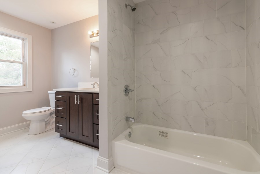 Real Estate Photography - 2150 New Willow Road, Northfield, IL, 60093 - 4th Bathroom
