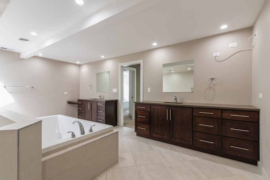Real Estate Photography - 2150 New Willow Road, Northfield, IL, 60093 - Master Bathroom