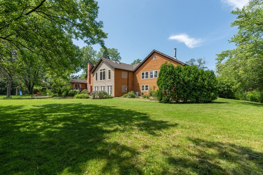 Real Estate Photography - 2150 New Willow Road, Northfield, IL, 60093 - Rear View