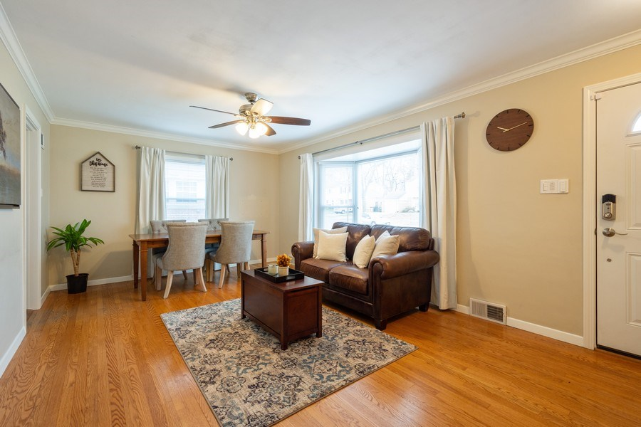 Real Estate Photography - 605 S Mitchell Ave, Arlington Heights, IL, 60005 - Living Room