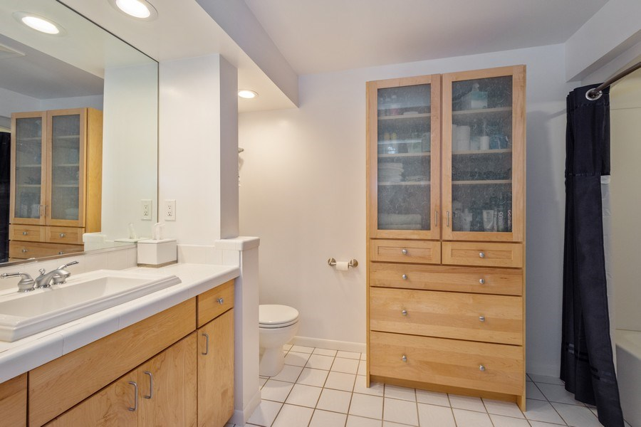Real Estate Photography - 605 S Mitchell Ave, Arlington Heights, IL, 60005 - Bathroom