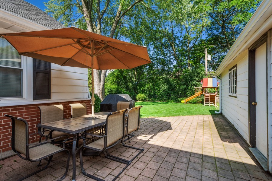 Real Estate Photography - 605 S Mitchell Ave, Arlington Heights, IL, 60005 - Patio