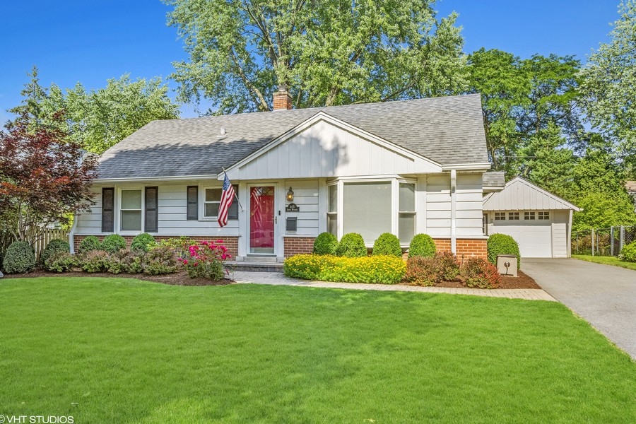 Real Estate Photography - 605 S Mitchell Ave, Arlington Heights, IL, 60005 - Front View