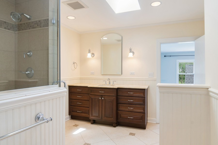 Real Estate Photography - 421 Courtland, Park Ridge, IL, 60068 - Master Bathroom