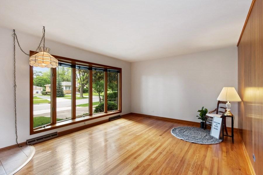 Real Estate Photography - 530 Cambridge Rd, Des Plaines, IL, 60016 - Living Room