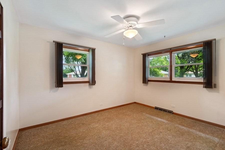Real Estate Photography - 530 Cambridge Rd, Des Plaines, IL, 60016 - Master Bedroom