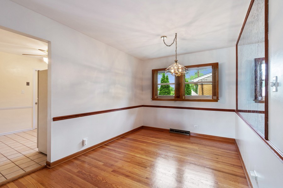 Real Estate Photography - 530 Cambridge Rd, Des Plaines, IL, 60016 - Dining Room