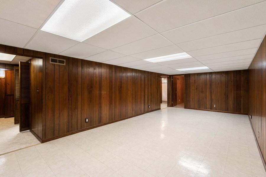 Real Estate Photography - 530 Cambridge Rd, Des Plaines, IL, 60016 - Basement