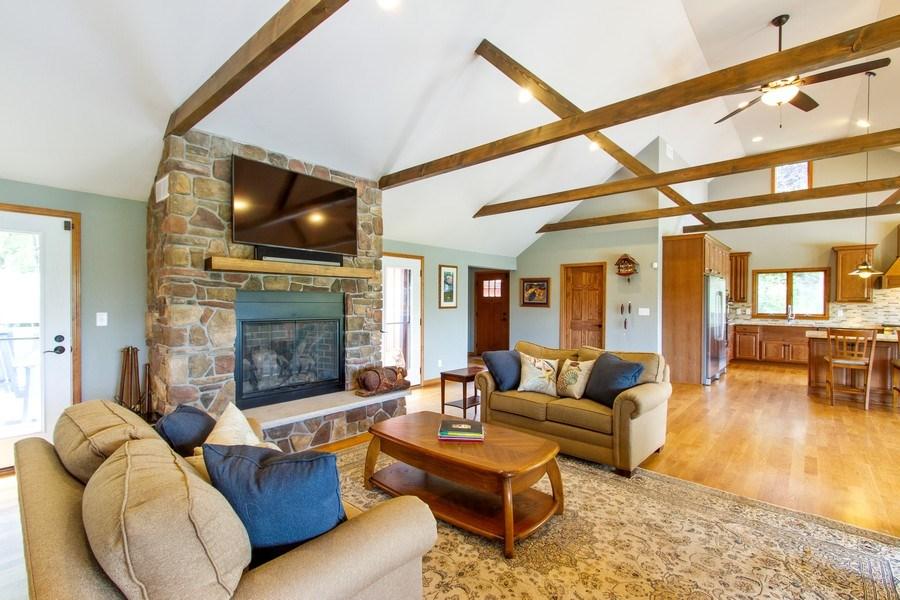 Real Estate Photography - N1790 Wildwood Dr, Lake Geneva, WI, 53147 - Great room