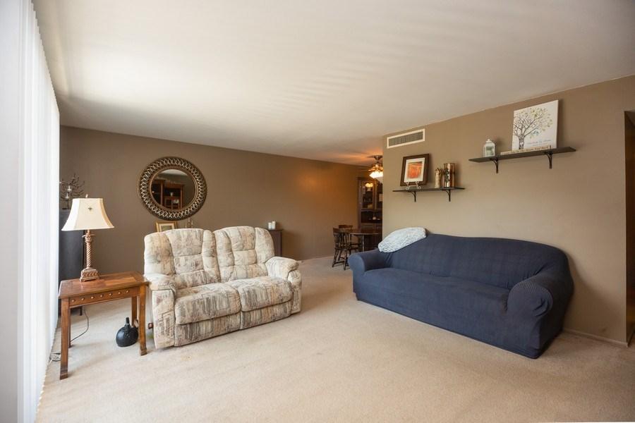 Real Estate Photography - 898 Wellington Ave, #209, Elk Grove Village, IL, 60007 - Living Room