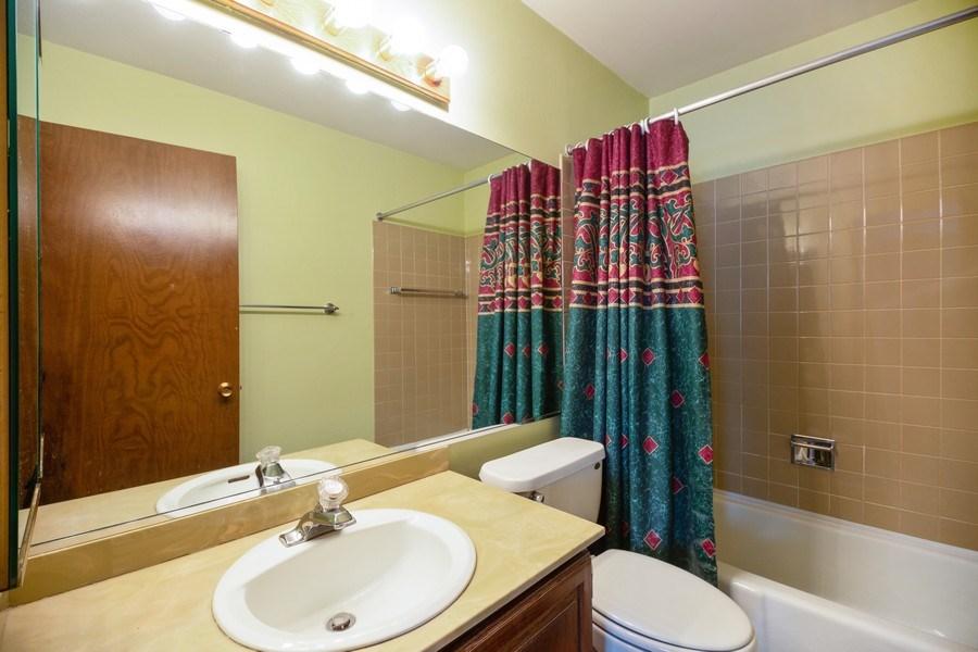 Real Estate Photography - 898 Wellington Ave, #209, Elk Grove Village, IL, 60007 - Master Bathroom