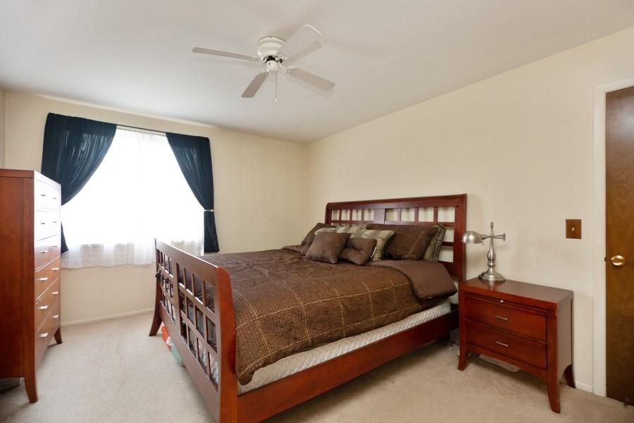 Real Estate Photography - 898 Wellington Ave, #209, Elk Grove Village, IL, 60007 - Master Bedroom