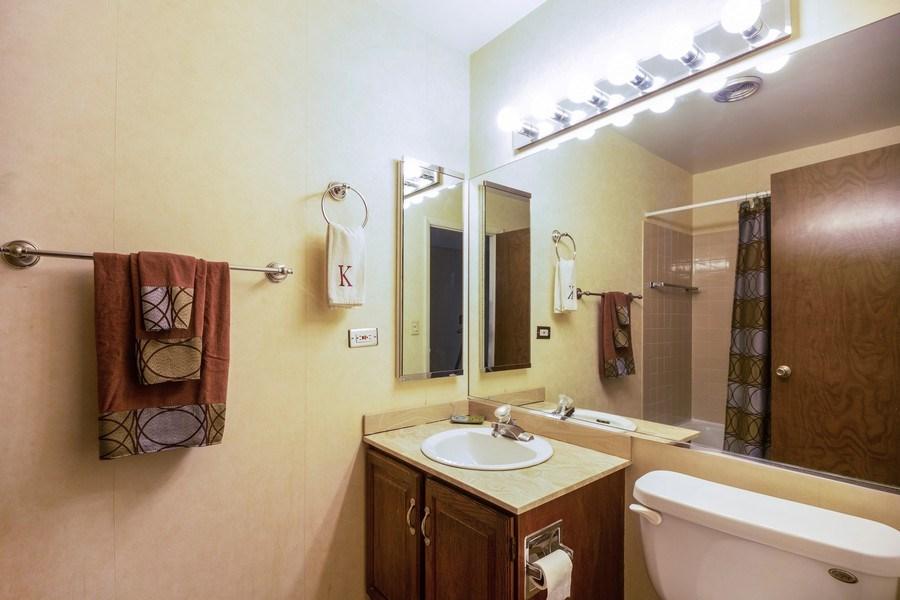 Real Estate Photography - 898 Wellington Ave, #209, Elk Grove Village, IL, 60007 - Bathroom