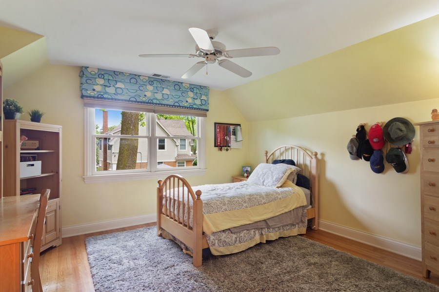 Real Estate Photography - 730 E Hawthorne, Arlington Heights, IL, 60004 - 2nd Bedroom