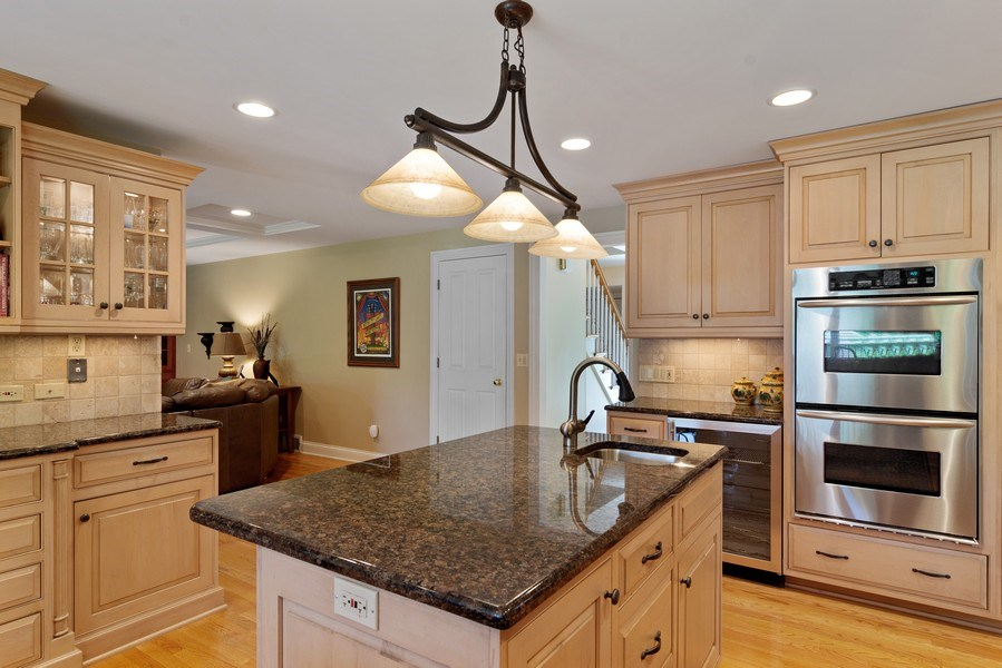 Real Estate Photography - 730 E Hawthorne, Arlington Heights, IL, 60004 - Kitchen