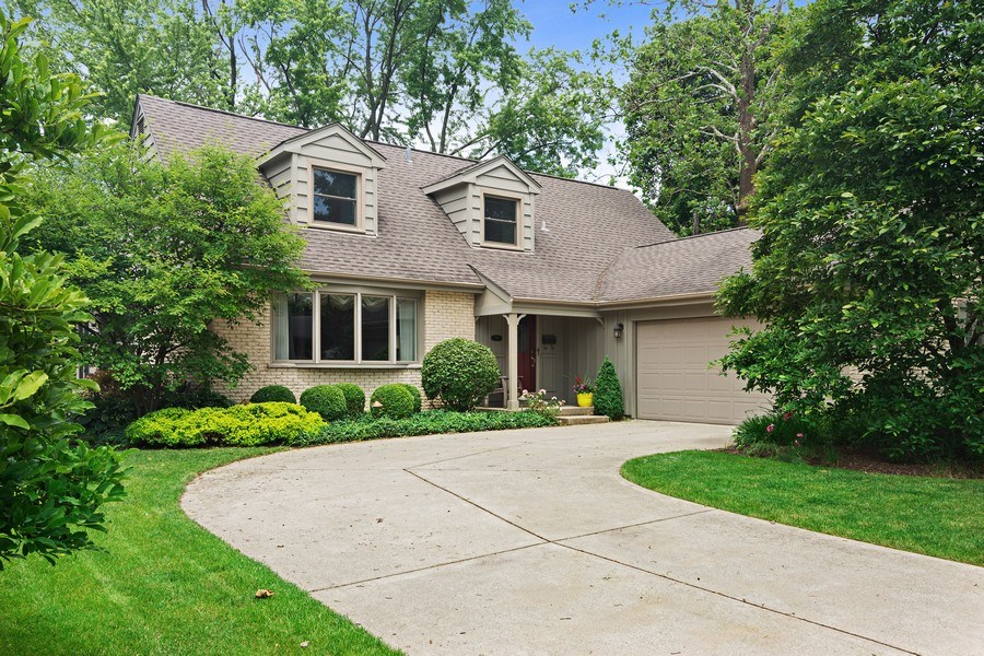 Real Estate Photography - 730 E Hawthorne, Arlington Heights, IL, 60004 - Front View